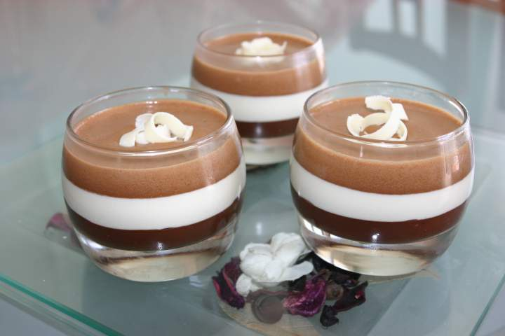 recette mousse trois chocolats. Black Bedroom Furniture Sets. Home Design Ideas